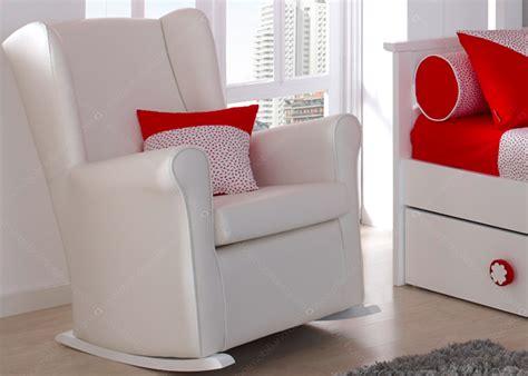 fauteuil pour chambre bébé fauteuil a bascule chambre bebe chambre bebe avec berceau