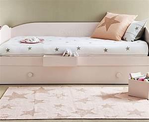 Teppich Für Kinderzimmer : sch ne teppiche mit sternen ~ Eleganceandgraceweddings.com Haus und Dekorationen
