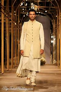 Tarun Tahiliani Indian ethnic wear for men   Menu0026#39;s ethnic   Pinterest   Stylists In india and ...