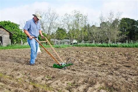 hoss garden seeder for home gardens