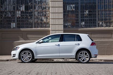 volkswagen golf vw review ratings specs prices