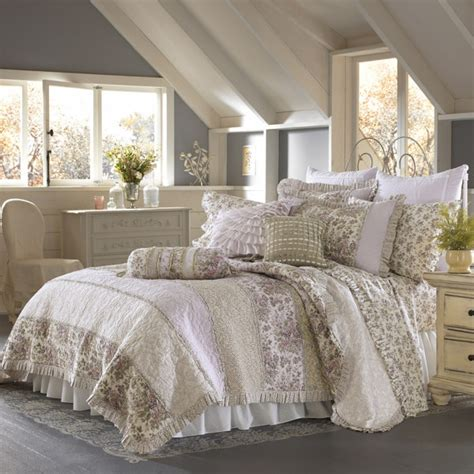 shabby chic bedding bed bath and beyond 17 best images about bedroom on pinterest burlap bunting blue and white and master bedrooms