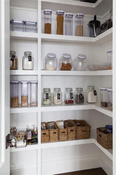 optimiser espace cuisine 9 astuces de rangement pour optimiser l espace de sa cuisine