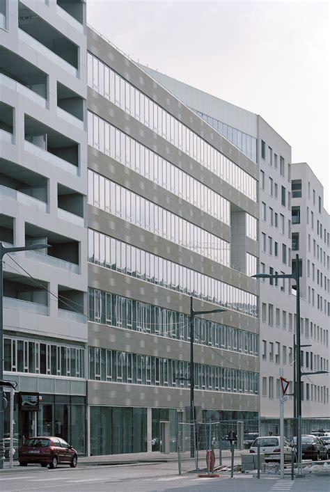 ensemble immobilier de logements bureaux et commerces zac de l hith 233 226 tre ecdm s portfolio