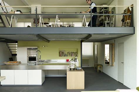 Nel loft con soppalco: casa & lavoro su misura CASAfacile
