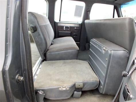 find   chevrolet suburban  restored  seattle