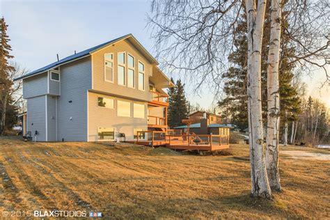 bristol palin  engaged lists  million dollar alaska home