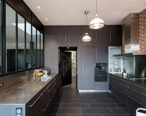 luminaire ilot de cuisine cuisine gris anthracite 56 idées pour une cuisine chic