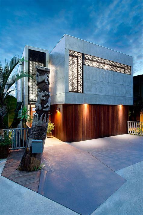 amazing renovation   duplex building caters  chic