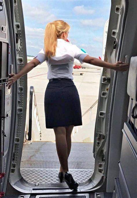 cute flight attendants  pics