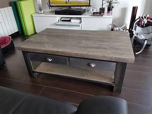 Table Basse Avec Tiroir : table de salon style industriel ~ Teatrodelosmanantiales.com Idées de Décoration
