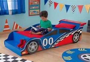 Lit En Forme De Voiture : lit en forme de voiture de course pour enfant bolide ~ Teatrodelosmanantiales.com Idées de Décoration