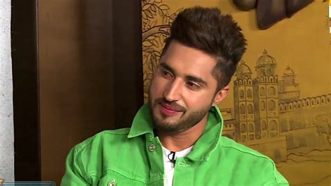 jassi gill  hairstyle nikle current newhairstyle