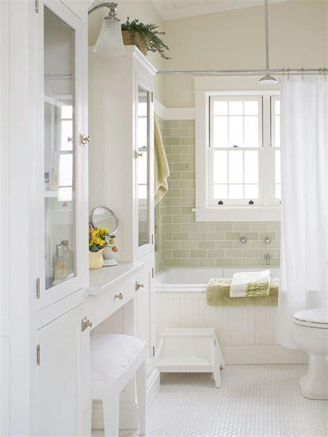 create  cottage style bathroom