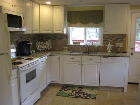 kitchen classics cabinets lowes kitchen classics narragansett traditional kitchen 6552