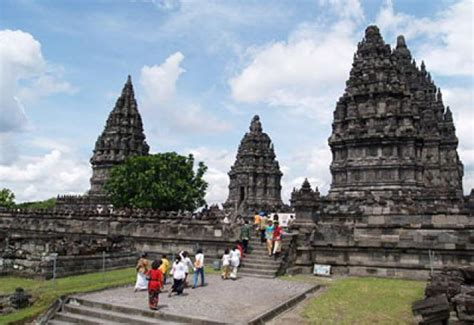 sleman pun dibidik operator wisata malaysia inditourist