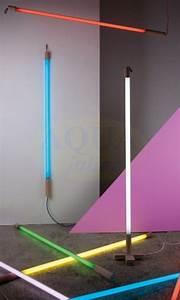 Tube Neon Couleur Deco : tube n on hauteur d co int rieur avec pied ~ Melissatoandfro.com Idées de Décoration