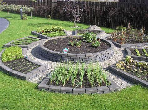 Vasaras sapņu dārzs