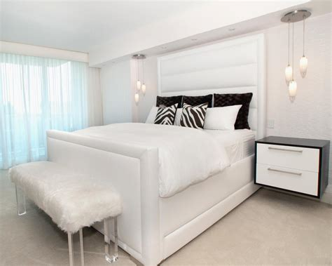 Fur Wallpaper For Bedrooms by 25 All White Bedroom Collection For Your Inspiration