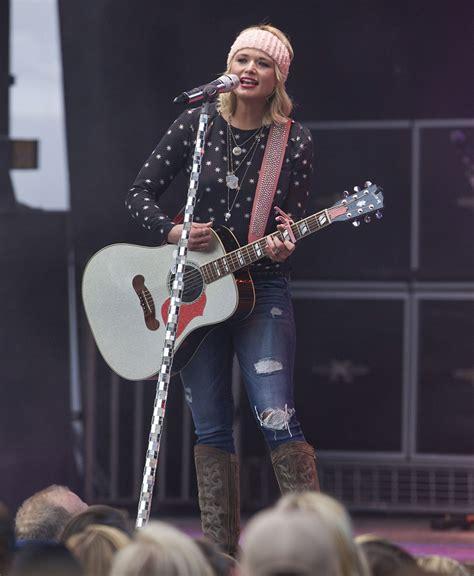 Miranda Lambert - 2015 Celebrity Photos - Performing at ...