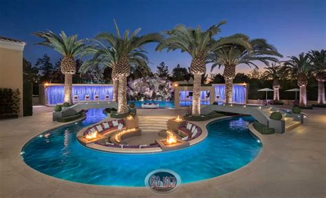 Red Rock Contractors Provide Luxury Pool Design