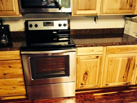 hickory kitchen cabinets lowes are those hickory cabinets denver from lowes