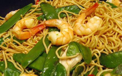 recette wok de nouilles chinoises aux crevettes  aux