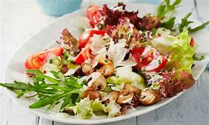Leichte Salate Rezepte : salat zum grillen und andere leichte sommersalate ~ Frokenaadalensverden.com Haus und Dekorationen