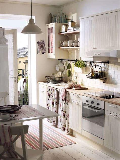 petit plan de travail cuisine amenagement cuisine petit espace maison design bahbe com