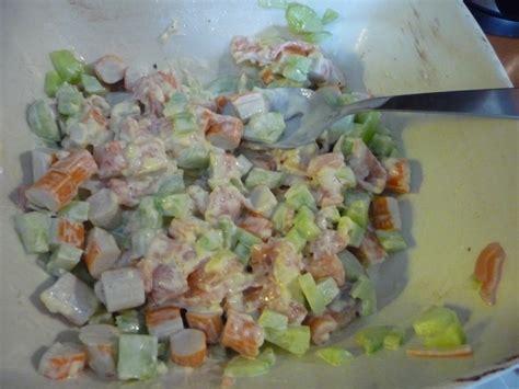 salade de p 226 tes saumon surimi concombre oh la gourmande