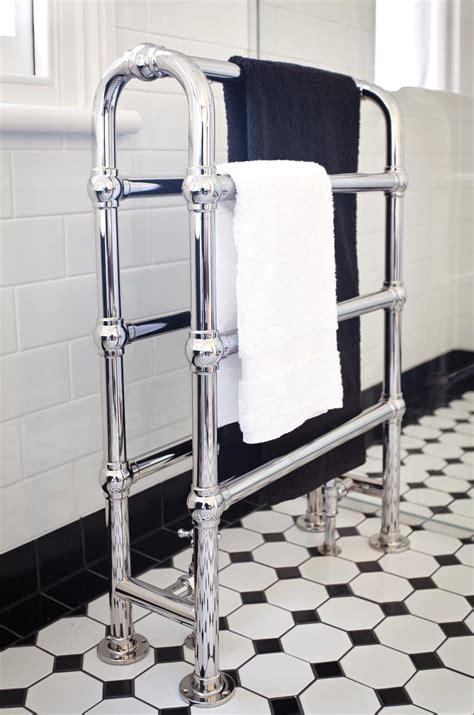 1930s Bathroom Design by Deco Inspired Bathroom Design Completehome