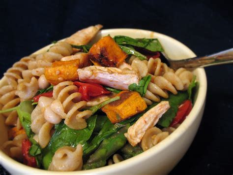 cuisine fitness warm chicken and pasta salad we food