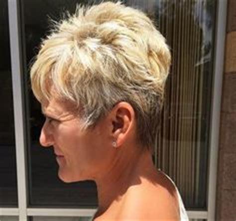 stylish haircuts hairstyles for 80 medium haircut 9908