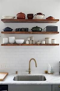 Kuchengestaltung ideen offene kuchenregale aus holz for Küchenregale