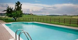 les margelles de piscine en pierre naturelle With piscine en pierre naturelle