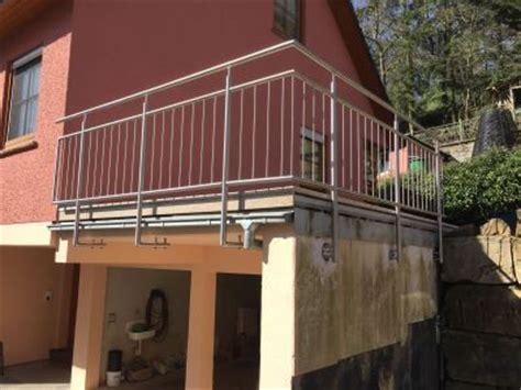 edelstahlgeländer bausatz bauhaus balkongel 228 nder baus 228 tze aus edelstahl und glas
