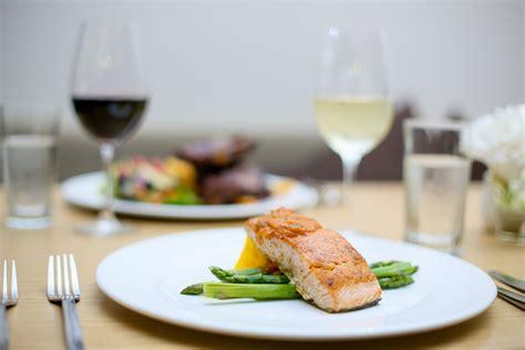 cuisine bistro the hovell tree bar and restaurant hovell tree inn