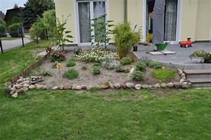Steine Für Beeteinfassung : beeteinfassung aus stein beetbegrenzung mit feldsteinen hausbau blog ~ Orissabook.com Haus und Dekorationen
