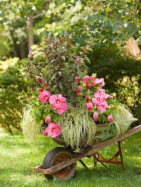 wheelbarrow planter ideas wheelbarrow flower planter plans woodworking projects