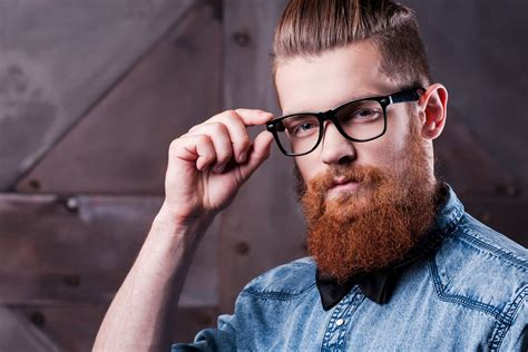 trendy beards thick rimmed glasses  macklemore style