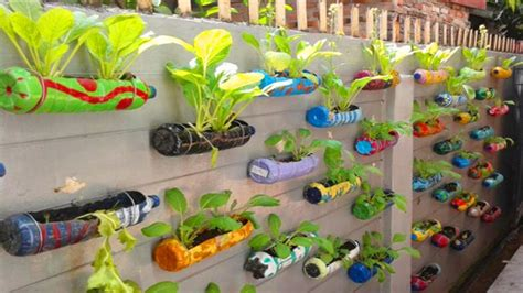 unique amazing plastic bottle garden decoration ideas