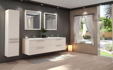 salle de bain moderne avec mosaique