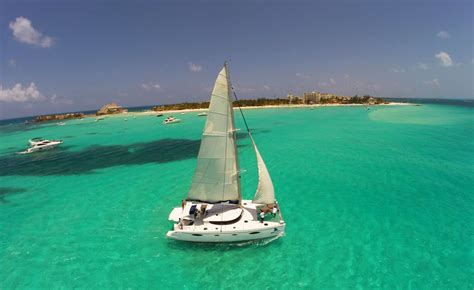 Barco Catamaran Cancun by 2 Day Xcaret And Isla Mujeres By Catamaran
