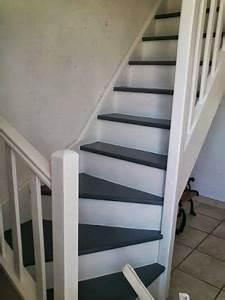 escalier gris blanc inspiration pour la maison pinterest With repeindre un escalier en gris 4 decoration escalier en bois