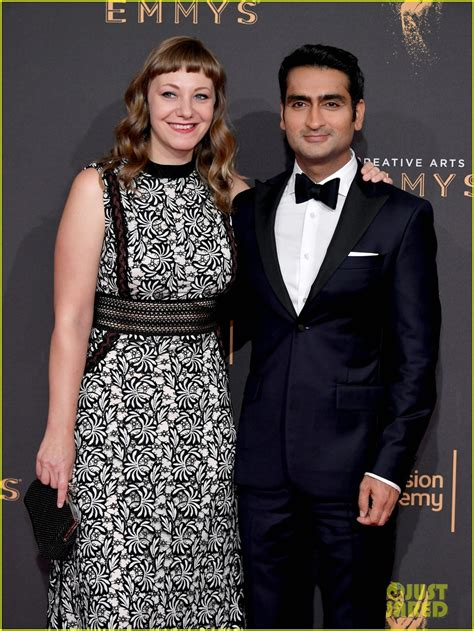 kumail nanjiani ellen kumail nanjiani wife emily v gordon couple up for emmys