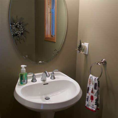 decorate  small powder room  christmas