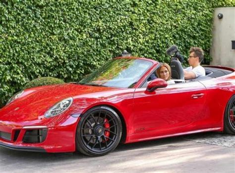 Modifikasi Porsche 911 by Intip Kelebihan Porsche 911 Gts Cabriolet Kado Ultah J Lo