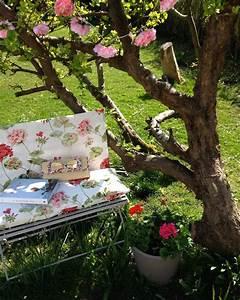 Laura Ashley Garden : spring time florals with lobster swan laura ashley blog ~ Sanjose-hotels-ca.com Haus und Dekorationen