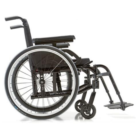fauteuil roulant pliable ultra leger fauteuil roulant pliant ultra l 233 ger move motion composites la maison andr 233 viger