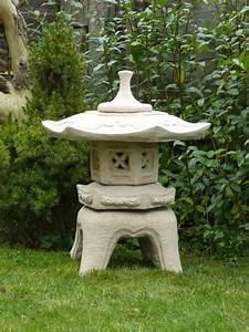 Japanese pagodas garden statuary pagoda pinterest for Decoration pour jardin exterieur 7 dressing design